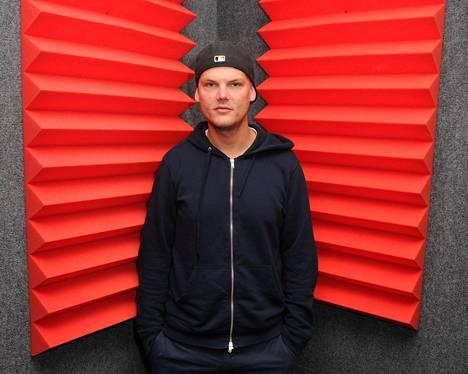 Avicii eli Tim Bergling syntyi Tukholmassa vuonna 1989. Hänestä tuli yksi maailman suurimmista DJ:stä Levels-hittinsä myötä.