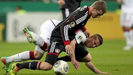 Alexander Ringin (alla) kaiserslautern voitti Bayer Leverkusenin.
