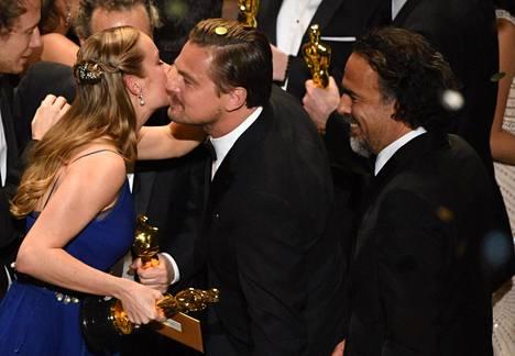 Brie Larson palkittiin naispääosalla Roomista.