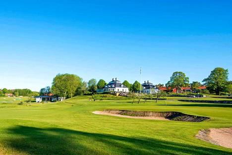 Fågelbron golfklubi Värmdön kunnassa. Prinssi Daniel tunnetaan intohimoisena golfin pelaajana.