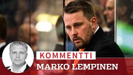 Kommentti: Ylpeys sokaisi Antti Pennasen – vallanhimo ja ylimielisyys olivat tuhota SM-liigan sensaatiovalmentajan