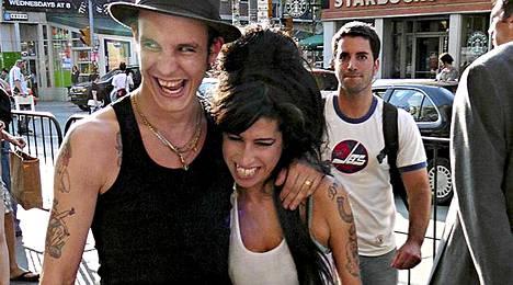 Blake ja Amy menivät naimisiin vuonna 2007, mutta erosivat kahta vuotta myöhemmin.