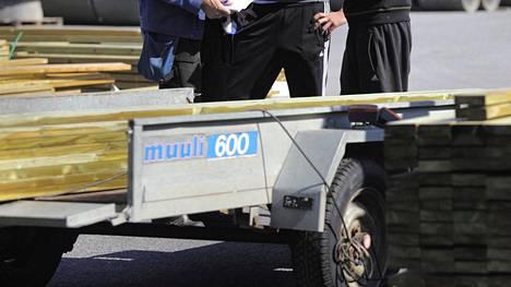 Sillä, onko perävaunu tyhjä vai kuormattu, ei ole vaikutusta ajo-oikeuden riittävyyttä pohdittaessa.