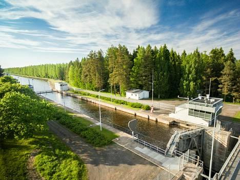 Saimaan kanavan sulkujen pidentäminen sai lisärahaa budjetissa.
