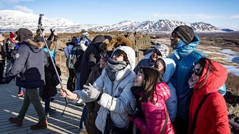 Islannissa on meneillään turismibuumi. Brittiläisen matkailujulkaisun listauksessa se on valittu myös maailman turvallisimmaksi matkailumaaksi.