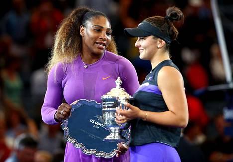 Serena Williams onnitteli Bianca Andreescua pelin jälkeen.