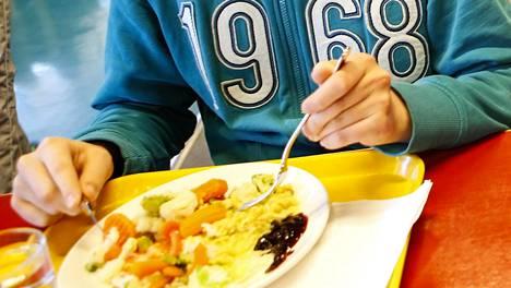 Helsingissä on järjestetty kouluruokaraateja selvittämään oppilaiden mielipiteitä kouluruoasta.