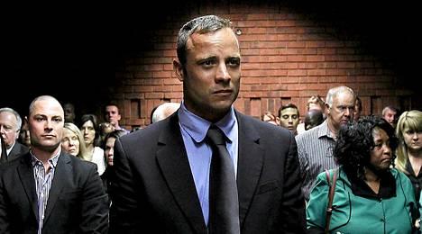 Oscar Pistorius oikeuden kuultavana helmikuussa.