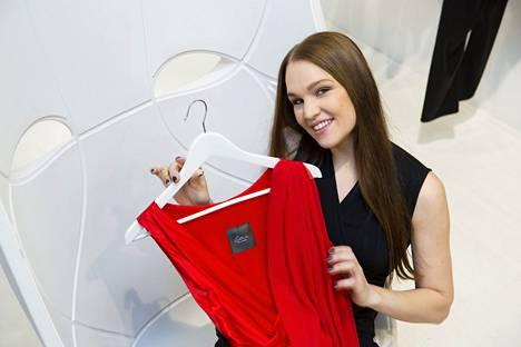 Muotisuunnittelija Katri Niskanen aloitti koulun syksyllä 1993.