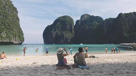 Thaimaan kuuluisa ranta suljetaan kokonaan – ei kestä turismin aiheuttamia rasitteita