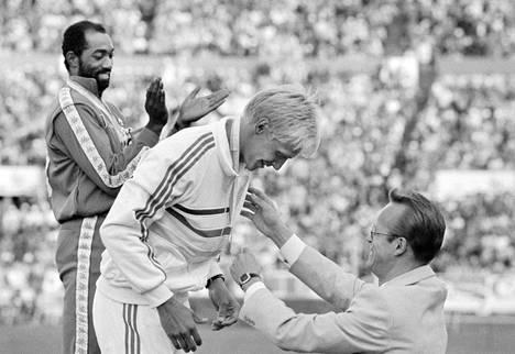Arto Bryggare voitti 110 metrin aitajuoksun MM-hopeaa Helsingissä vuonna 1983.