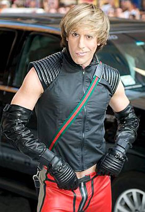 Sacha Baron Cohen esittää itävaltalaista Brünoa uudessa elokuvassaan.