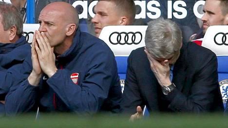 Arsene Wenger (oik.) haluaa varmasti unohtaa 1000. ottelun Arsenalin managerina.