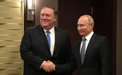 Ulkoministeri Pompeolla on riittänyt viime päivinä kiireitä. Tiistaina hän tapasi Sotshissa Venäjän presidentin Vladimir Putinin.
