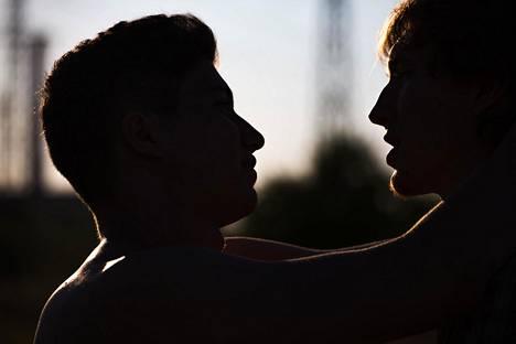 Jokaisella on oikeus määritellä oma sukupuoli-identiteettinsä sekä seksuaalinen suuntautumisensa - tai olla määrittelemättä niitä lainkaan.
