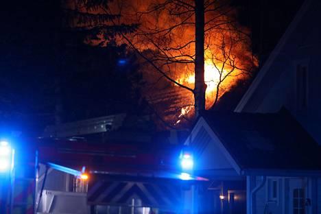 Tulipalo syttyi osoitteessa Viertotie 21.