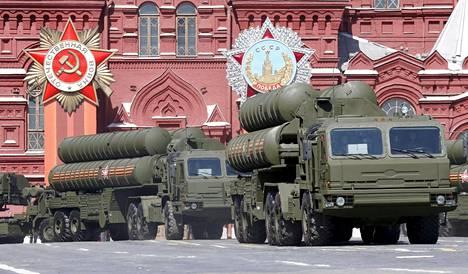 Venäjän armeija esitteli kalustoaan voitonpäivän paraatissa Moskovassa 7.5.2015.