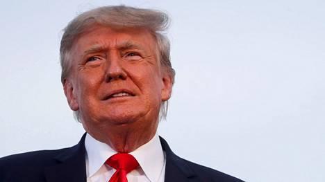 """""""Sanokaa vain, että vaalit olivat korruptoituneet ja jättäkää loppu minun hoidettavaksi"""", Donald Trumpin kerrotaan sanoneen perjantaina julkaistujen muistiinpanojen mukaan."""