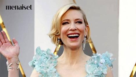 Näyttelijä Cate Blanchett uskoo päivittäisen parranajon tai kuorinnan nuorentavaan vaikutukseen.