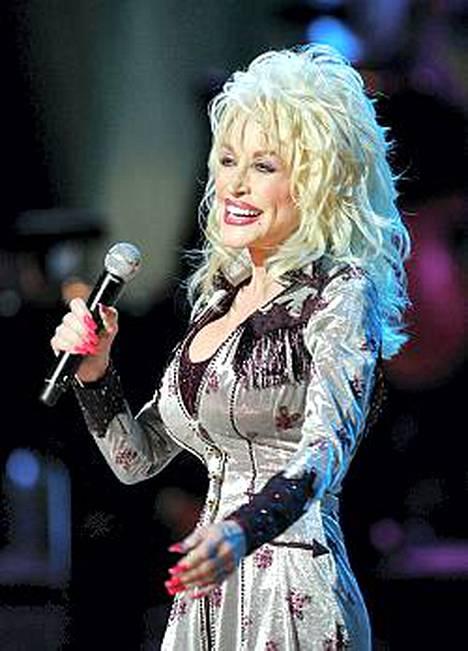 Dolly Parton lähtee maaliskuussa laajalle Euroopan-kiertueelle, mutta Suomessa häntä ei kiinnostuttu näkemään
