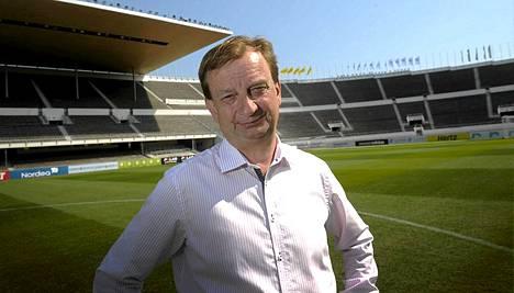Hjallis Harkimo tuo Arsenalin ja Manchester Cityn harjoitusottelun Helsingin Olympiastadionille.