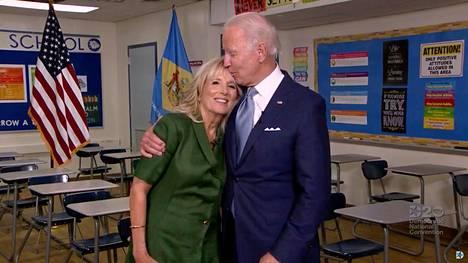 Jill Biden on ottanut näkyvän roolin miehensä vaalikampanjassa. Hän on saanut kehuja yli puoluerajojen.