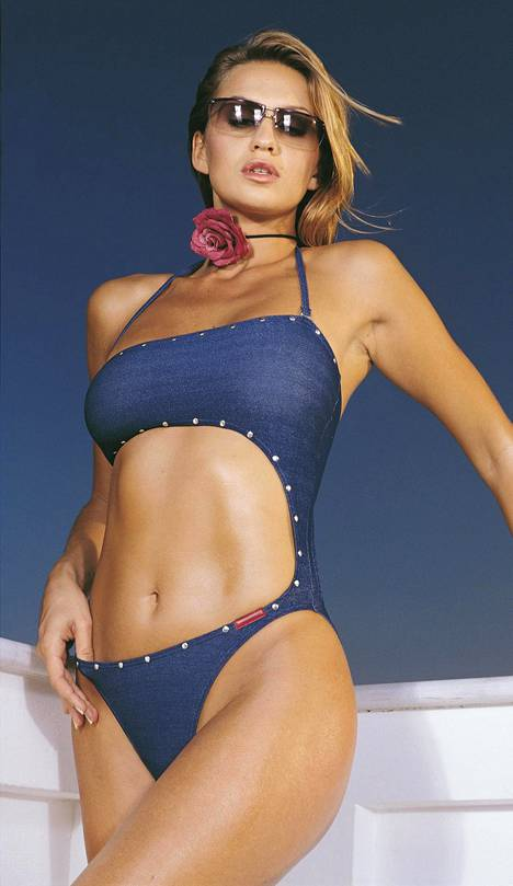 Janina toimi pitkään Panos Emporion mallina. Kuva vuodelta 2006.