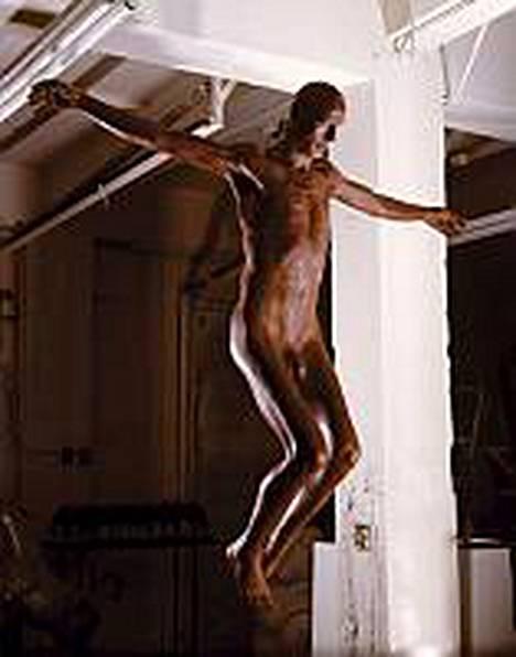 Maitosuklaasta valmistettu Jeesus-taideteos oli 1,8 metriä korkea.