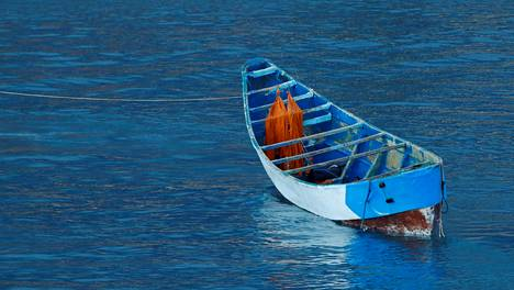 17-vuotias siirtolaistyttö ajelehti 22 päivää veneessä Pohjois-Atlantilla. Veneen 59 matkustajasta vain kolme selvisi hengissä.