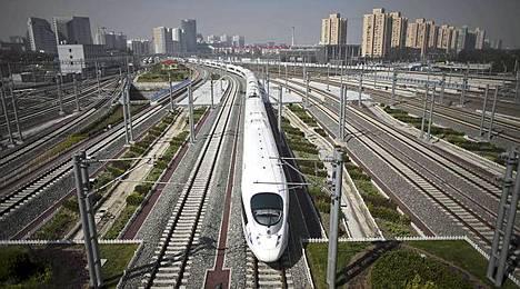 Uusi juna viilettää Pekingistä Shanghaihin noin viidessä tunnissa. Muilla junilla matka-aika on noin 11 tuntia.