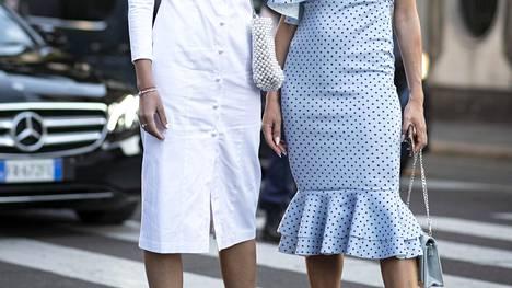 Valkoiset alushousut eivät välttämättä ole paras valinta valkoisen vaatteen alle.