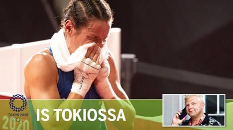 Valtava tunnekuohu pääsi valloilleen heti tappioon päättyneen olympiavälierän jälkeen. Uransa päättäneen Mira Potkosen lataus purkautui eeppisesti.