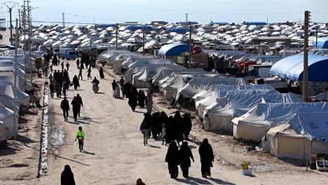 Asukkaita al-Holin leirillä vuoden 2019 huhtikuussa.