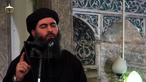 Abu Bakr al-Baghadista on vuosien varrella liikkunut niukasti kuvia. Heinäkuussa 2014 Mosulissa kuvatulla videolla hän julisti Isisin kalifaatin perustetuksi.