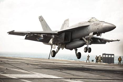 Hornet-hävittäjät ovat olleet käytössä 1990-luvulta lähtien.
