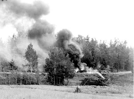 Puna-armeijan suurhyökkäys Kannaksella pysäytettiin Viipurin menetyksen jälkeen Tali-Ihantalassa, Viipurinlahdella ja Vuosalmella.