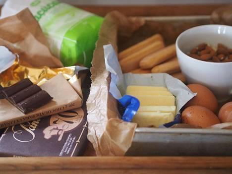 Mantelisen suklaakakun valmistusaineet