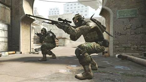 Counter-Strike on suosittu tietokoneella pelattava räiskintäpeli.
