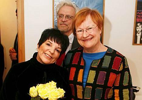 Liza Minnelli ja Tarja Halonen tapasivat.