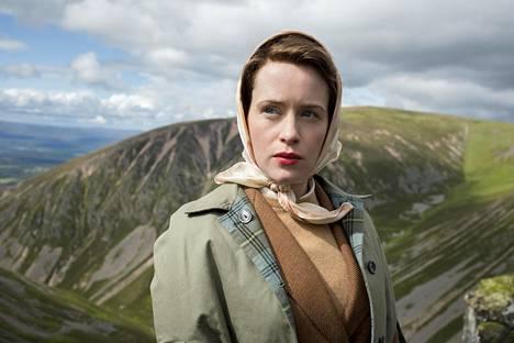 Vuonna 2016 käynnistyneen The Crown -sarjan tarinan alussa kaksikymppinen Elisabet (Claire Foy) ei ollut vielä hallitsija.