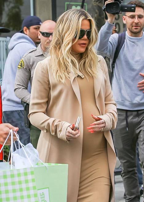Khloé odotti ensimmäistä lastaan maaliskuussa 2018.