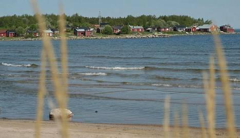 Yksi Pohjoismaiden pisimmistä uimarannoista sijaitsee Kokkolassa.
