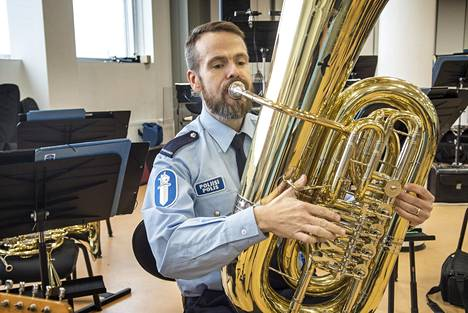 Samuli Rask on opiskellut poliisiksi soittokuntaa varten räätälöidyssä erityiskoulutuksessa.