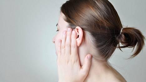 Potilaan mennessä leikkaukseen, suussa ei saa olla tulehduspesäkkeitä. Edes varpaanvälin iho ei saa olla rikki.