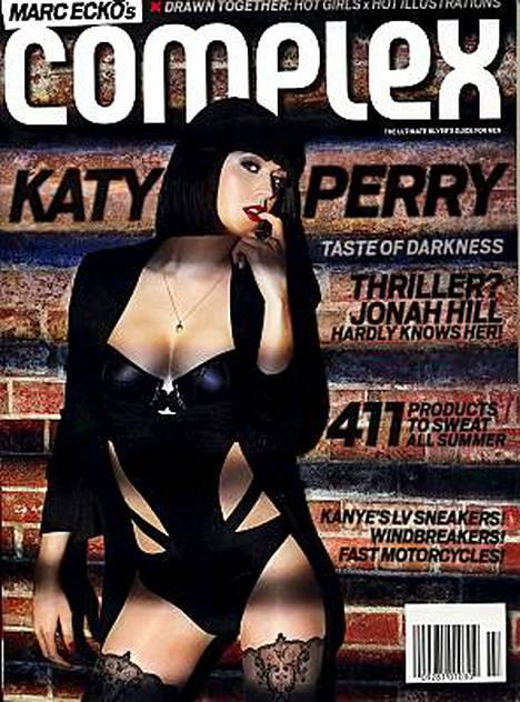 Katy Perry poseeraa Complex-lehden kannessa.