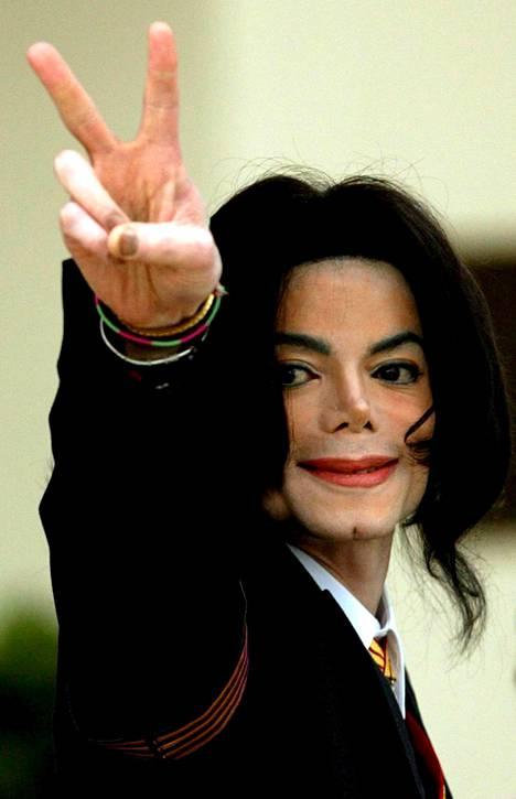 Michael Jackson todettiin syyttömäksi kaikkiin häntä kohtaan esitettyihin kanteisiin. Safechuck ja Robson puolustivat häntä ja kiistivät kaikki väitteet hyväksikäytöstä 20 vuoden ajan.