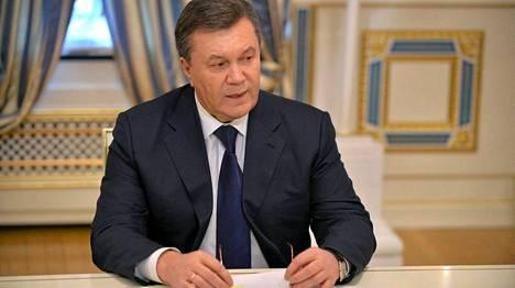 Viktor Janukovitsh allekirjoitti perjantaina sopimuksen opposition kanssa Kiovassa. Seuraavana yönä hän pakeni kaupungista.