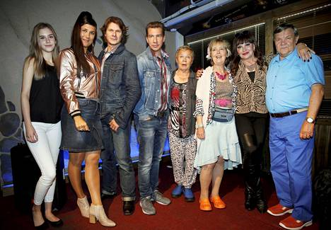 Varasto 2 -elokuvassa on nimekäs näyttelijäkaarti. Mukana on muun muassa Minttu Mustakallio, Kari-Pekka Toivonen, Aku Hirviniemi, Ulla Tapaninen, Leena Uotila, Hannele Lauri ja Juha Muje.