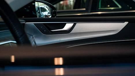 Veromuutoksilla voidaan vaikuttaa muun muassa siihen, minkälaisilla autoilla kansalaiset ajavat ja miten.