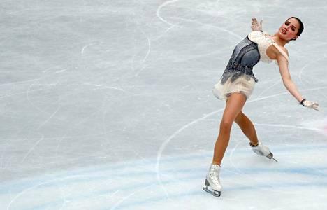 Alina Zagitova johtaa kilpailua lyhytohjelman jälkeen. Vapaaohjelma on vuorossa perjantaina.